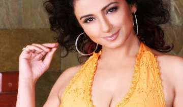 divya dutta plans to turn director - India TV