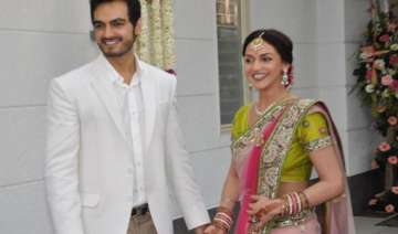 esha deol to wed in temple on june 29 - India TV