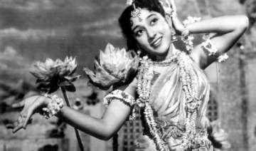 mala sinha turns 76 few facts about bollywood s...