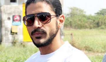 filmmakers have to do jugaad for casting farhan -...