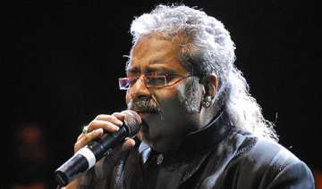 hariharan not getting offers to sing in bollywood...