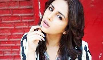 huma qureshi gets the badlapur surprise of her...