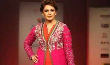 huma qureshi glams up at four day north east fest...