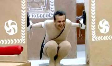imam siddique thrown out of the bigg boss house...