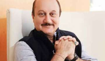 anupam does away with moustache for dhoni biopic...