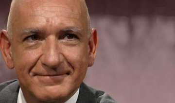 sir ben kingsley to attend iffi inauguration -...