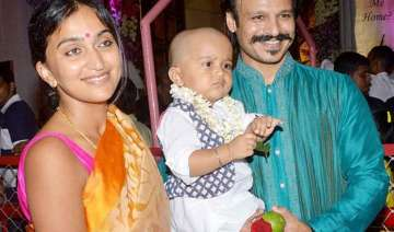 vivek oberoi daughter s first picture out pic...
