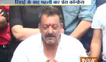 sanjay dutt shares his last day experience in...