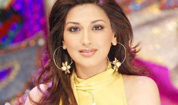 here s why sonali bendre is not on any social...