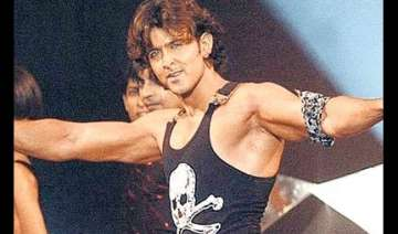 hrithik roshan does dance workout for vishal s...