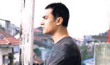 aamir khan plays a painter in dhobi ghaat - India...