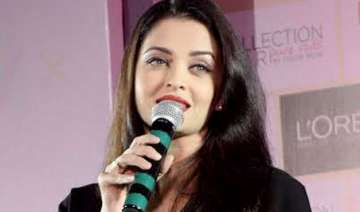aishwarya rai bachchan bowled over by big b s...