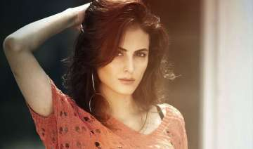 mandana karimi waiting to enter bollywood...
