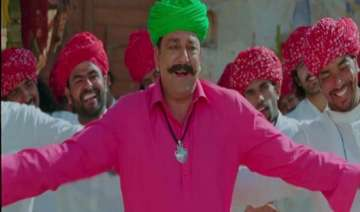 dhol dance and garlands sanjay dutt gets hero s...