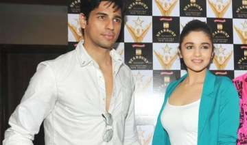 here s how sidharth malhotra reacted to alia...