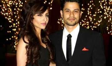 soha ali khan kunal khemu to marry in a private...