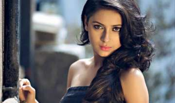 pratyusha banerjee to enter gulmohar grand soon -...