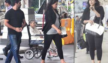 spotted sameera reddy flaunts baby bump see pics...