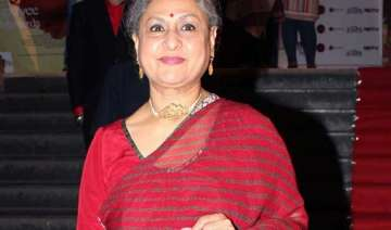 jaya bachchan applaudes filmmakers choice to...