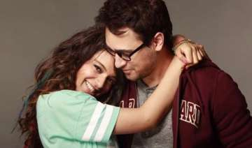 omg kangana imran kissed for 24 hours in katti...