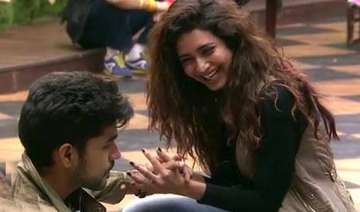 bigg boss 8 day 93 romance blossoms between...