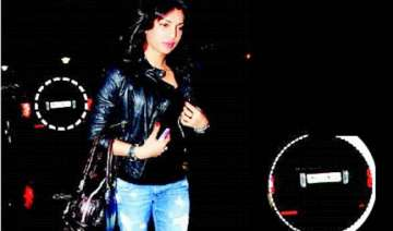 priyanka comes to airport in shahid s car - India...