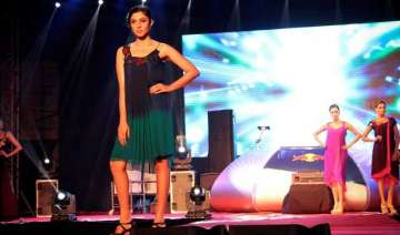 bollywood music not a hit on indian fashion...