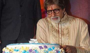 coolies celebrate amitabh bachchan s birthday -...