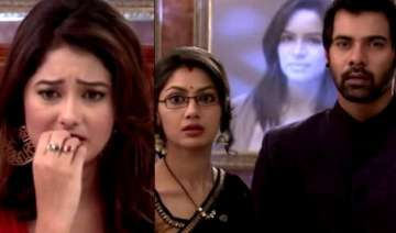 kumkum bhagya update why is abhi spying on pragya...