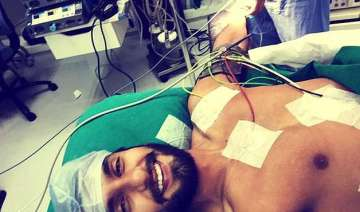 ranveer singh live tweets his surgery with a...