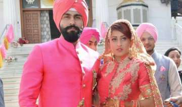 arya babbar gets hitched with long time...