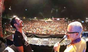 vh1 supersonic 2014 starts with high musical...