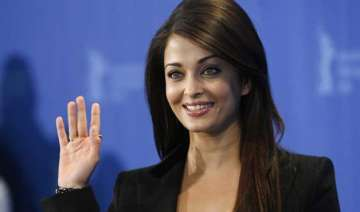 aishwarya rai to make singing debut in jazbaa -...