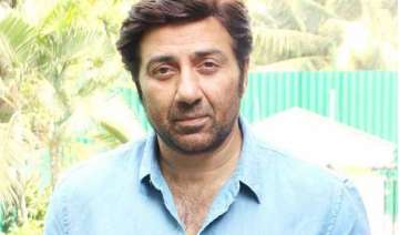 sunny deol gives punjabi lessons to child artist...