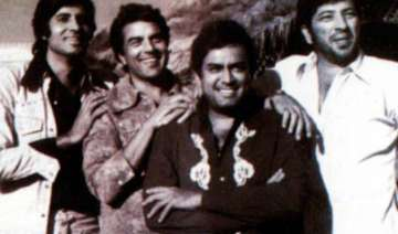 sholay still reverberating with filmgoers amitabh...