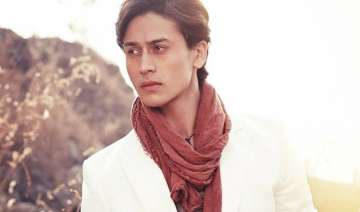 tiger shroff to thrill his fans with baaghi...