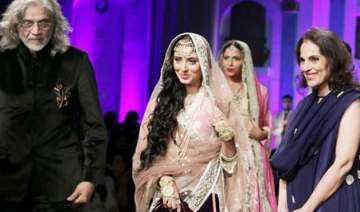pernia dances away as suneet varma closes ibfw -...