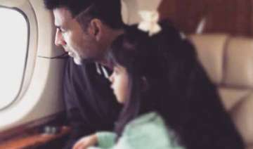 akshay kumar spends holiday with his little...