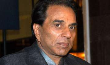 dharmendra doesn t want a biopic on him - India TV