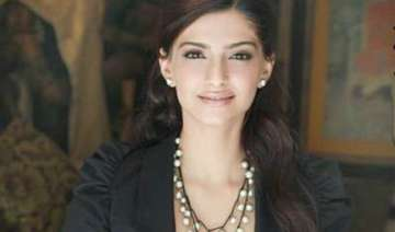 i am not in the rat race says sonam - India TV