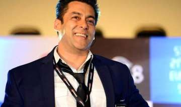 salman khan gets a day off on birthday from bigg...