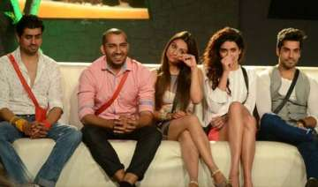 bigg boss 8 halla bol day 21 ali ajaz ends their...