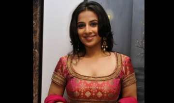 vidya gets a cameo role with abhi in dum maro dum...