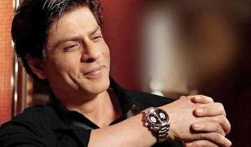 shah rukh khan receives autographed copy of the...