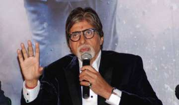big b welcomes new year in solitude - India TV