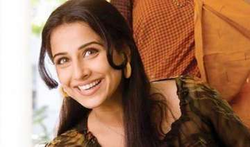 vidya balan admitted to hospital for muscle pull...