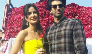katrina kaif celebrates rose day with aditya roy...