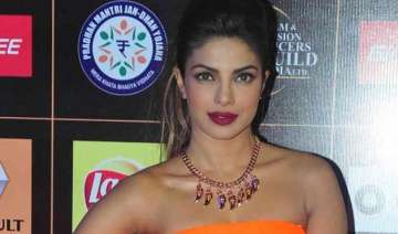 priyanka chopra dedicates mary kom success to her...