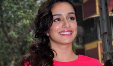 shraddha kapoor on look test spree for baaghi -...