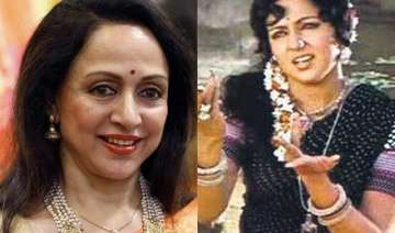 hema malini can t get over basanti even after 40...